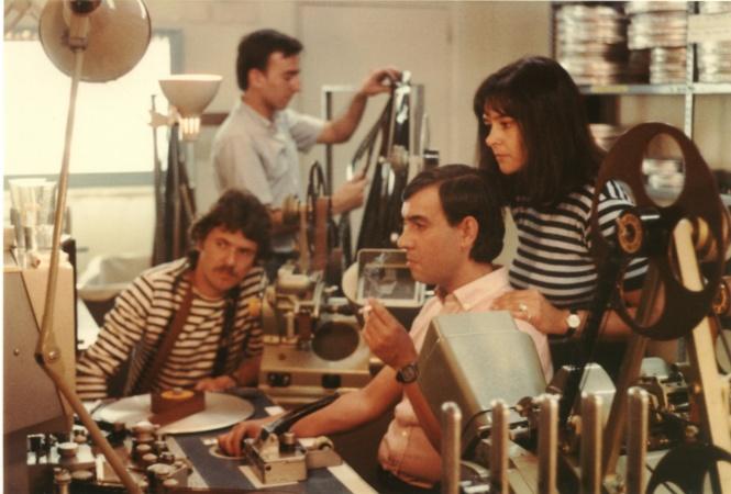 """04 Montaje de """"Cuerpo a cuerpo"""" (1982), con la actriz Guadalupe Güemes"""